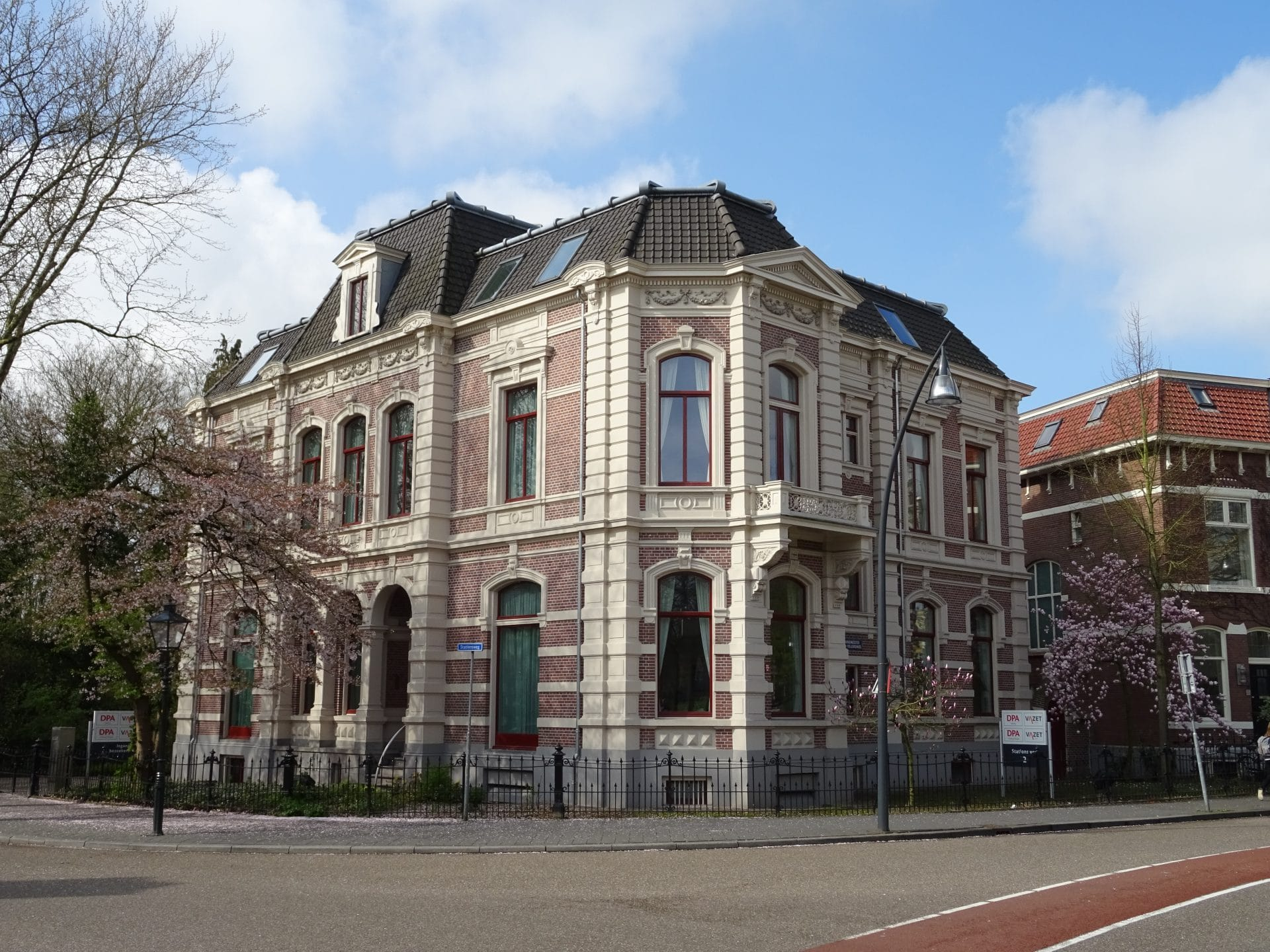 Kantoorpand Cauberg-Huygen in Zwolle