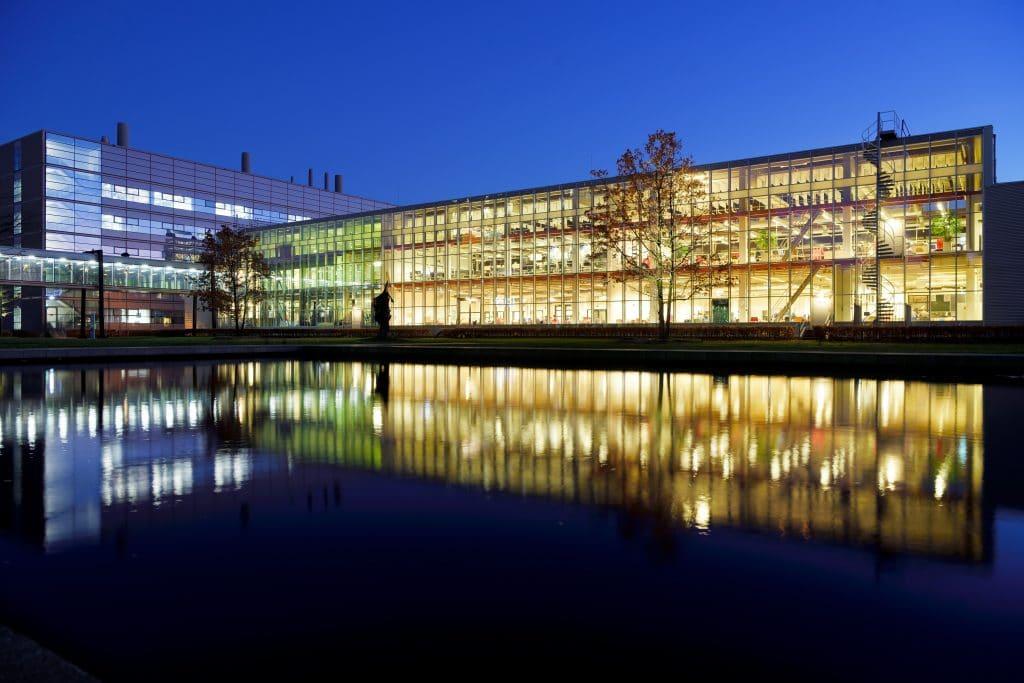 Project Matrix-gebouw TU Eindhoven (foto: Bart van Overbeeke Fotografie)